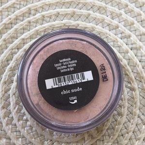 Bare Minerals chic nude  eyeshadow